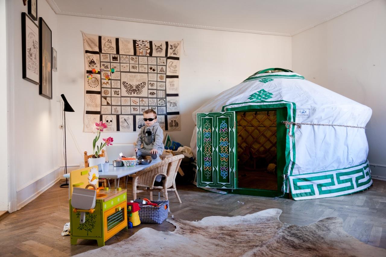 Underwerket / lisa grue: Mika with his yurt-tent in our ...