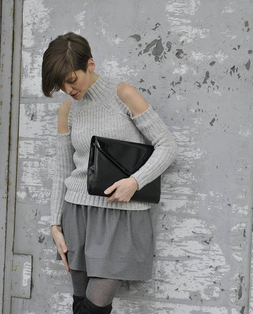 stylistka, szary sweter, grey inspire, sweter, na swieta, stylistka radzi, stylizacja dnia, duża kopertówka, butik poznan, sklep