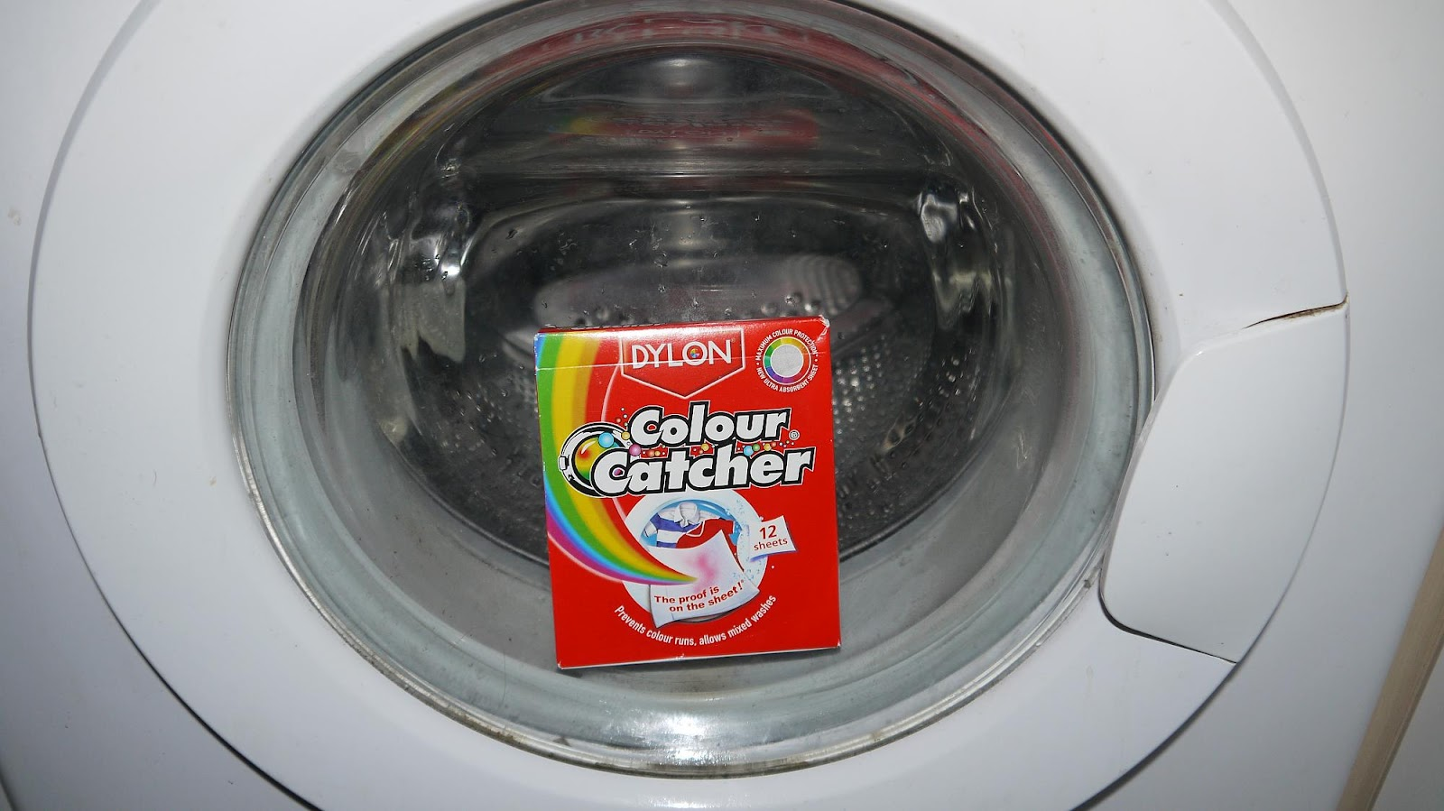 Inside the Wendy House: Mixed Load Laundry with Colour Catcher