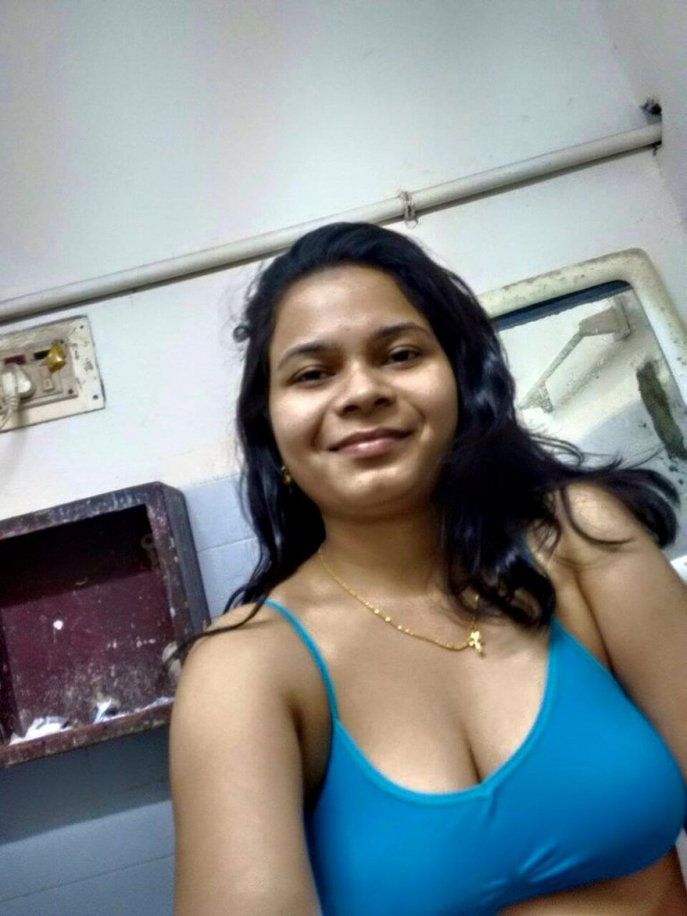 Indian Desi Aunty And Bhabhi Nude Photo Big Boob Kerala -2725