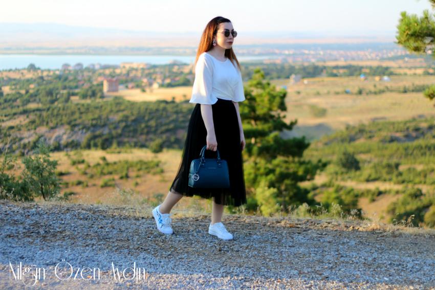 alışveriş-Nakışlı Spor Ayakkabılar-tül pileli etek-petrol yeşili çanta-moda blogu-fashion blogger