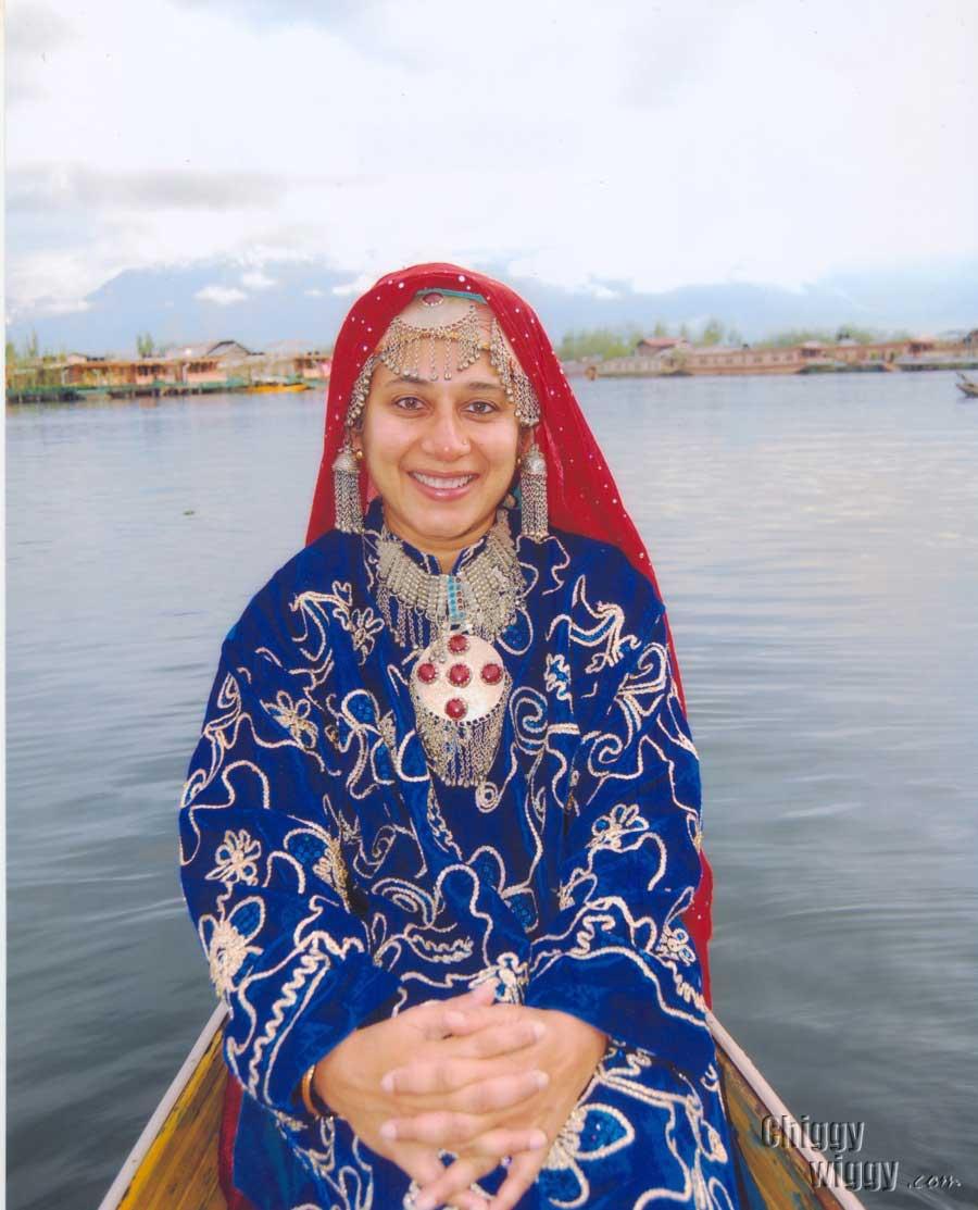 Kashmiri Traditional Dresses For Girls