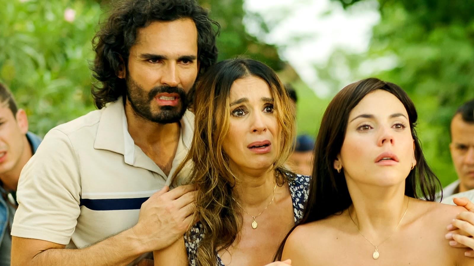 """Camila Sodi Tetas sin senos s� hay para�so"""" llega a las noches de gala tv en"""