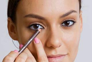 Produtos de maquiagem que toda mulher precisa ter