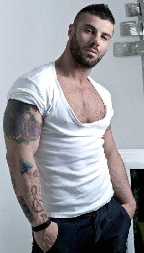 DAVID DUST: Lift Up Your Shirt!