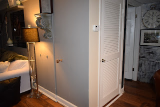 How to create a nook in a small space at spacesmadeperfect.com;JoFer Interiors