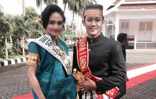 Inilah Pakaian Adat Dari Sulawesi Barat (Pria dan Wanita)