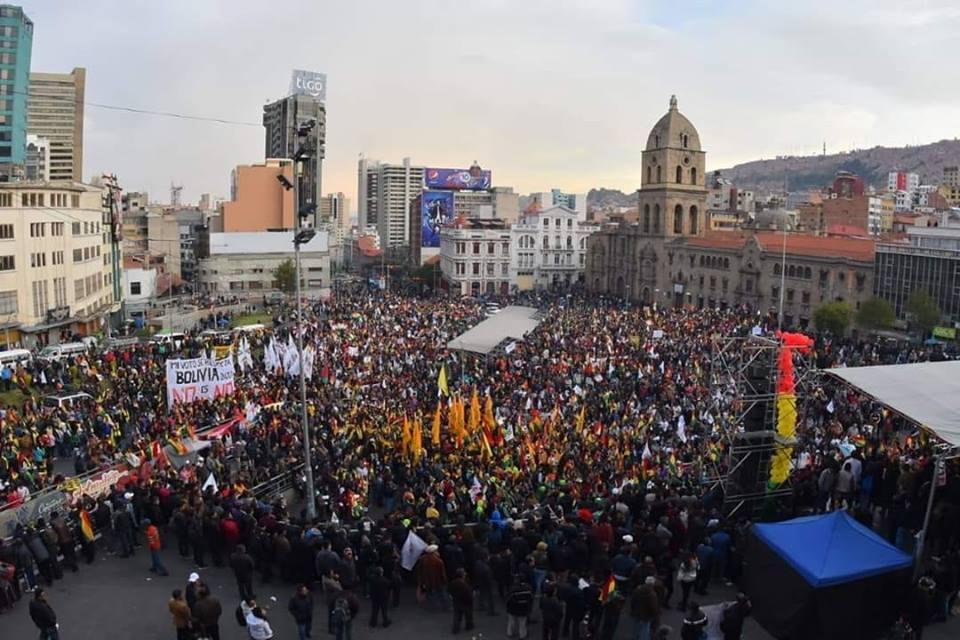 Cabildo de San Francisco llenó la plaza con grupos ciudadanos y políticos / FACEBOOK