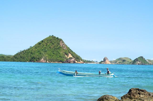 Lombok, pulau lombok, lombok island, indonesia, travel, travelling, wisata, jalan- jalan, pantai, pantai kuta lombok