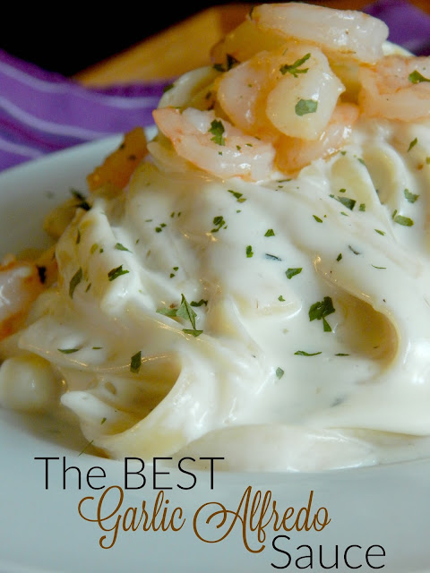 the best garlic alfredo sauce (sweetandsavoryfood.com)