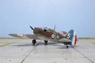 Curtiss H-75A Hawk d'Academy au 1/48.