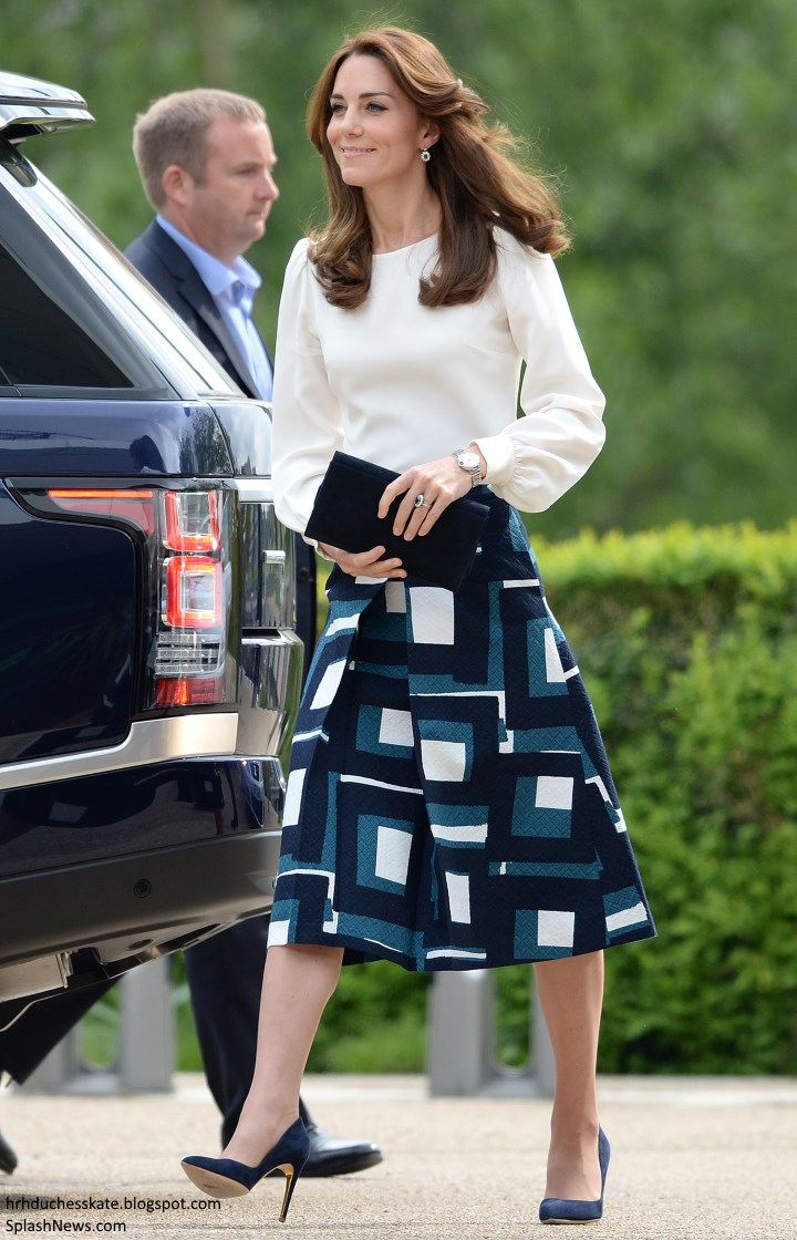 Duchess Kate Updated Kate In Goat Amp Banana Republic For