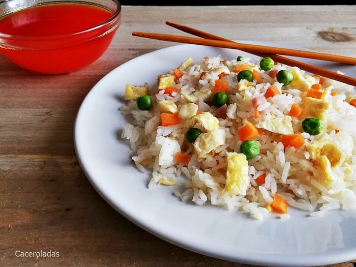 Arroz chino frito tres delicias