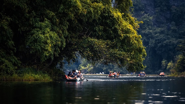 Travel Ninh Binh .... by Boat 2