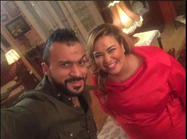 """إبراهيم سعيد ينشر صورة مع ويزو وبيومي فؤاد: """"حمايا وخطيبتي"""""""