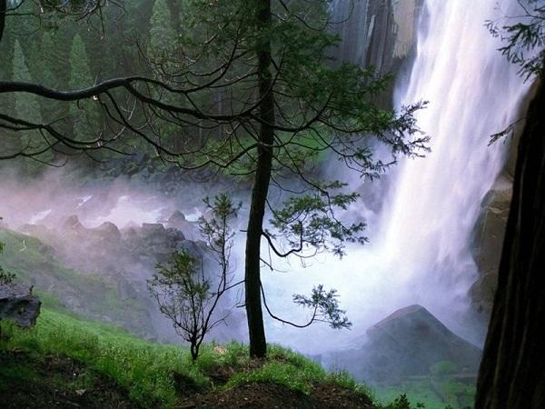 Hình ảnh thác Prenn vào mùa mưa