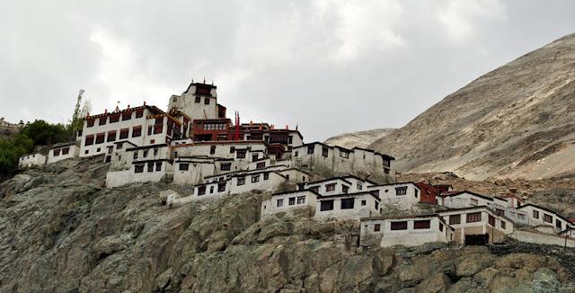 image of diskit monastery
