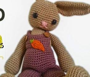 http://lanasyovillos.com/amigurumi/conejo_grande