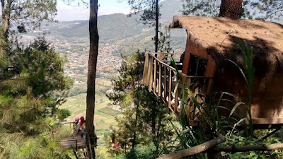 paralayang, omah kayu, wisata batu, gunung banyak