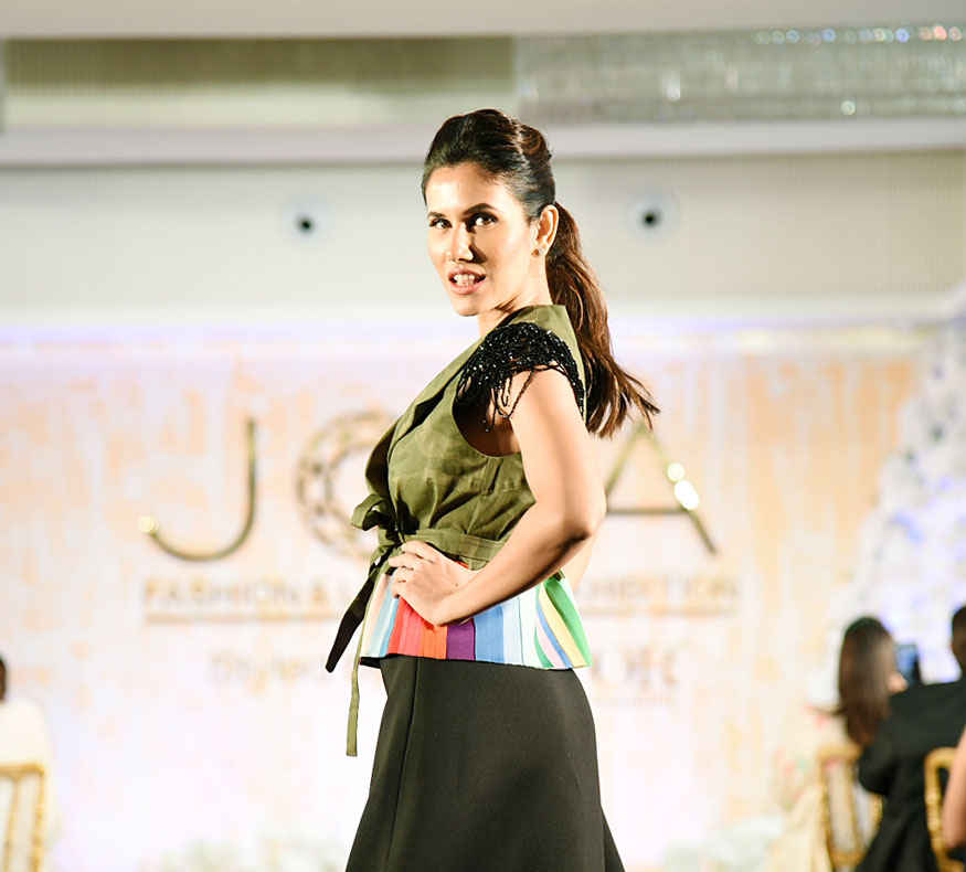 Urvashi Rautela walks The Runway at Joya Fashion Show In Mumbai