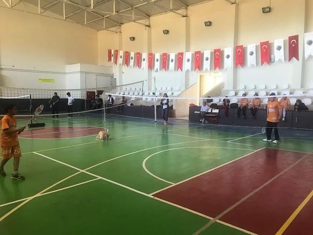 Bozova'da Badminton turnuvası