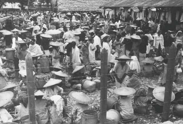 Collectie Tropenmuseum: Pasar tradisional di Kalosi Kab. Enrekang (Tahun 1920-1940)