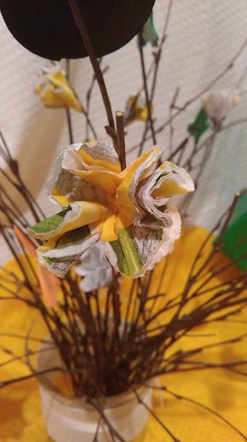wiosna, ozdoby  wiosenne, diy, ozdoby wielkanocne, ozdoby do domu, dekoracje, drzewko z gałązek diy, tutorial, jak zrobić bukiet z gałązek