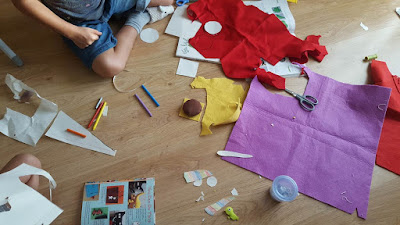 (Almost) wordless Wednesday - crafting with the kids