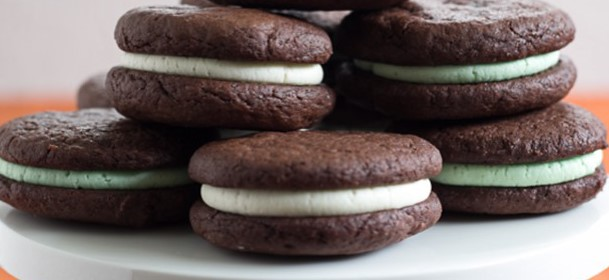 CHOCOLATE SANDWICH COOKIES WITH PEPPERMINT FROSTING , Weight Watchers Recipe , 12 Smart Points