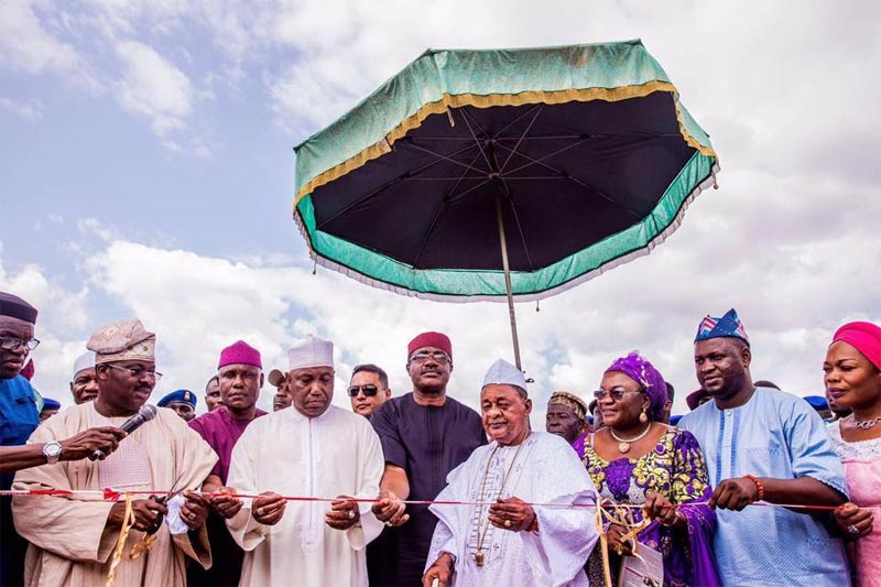 Alaafin of Oyo, others present as governor Ajimobi flags off construction of Oyo-Ogbomosho road