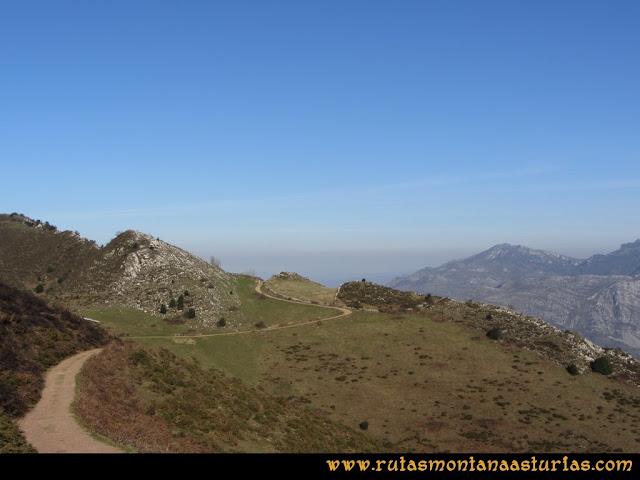 Ruta Linares, La Loral, Buey Muerto, Cuevallagar: Camino a la portilla Guamón
