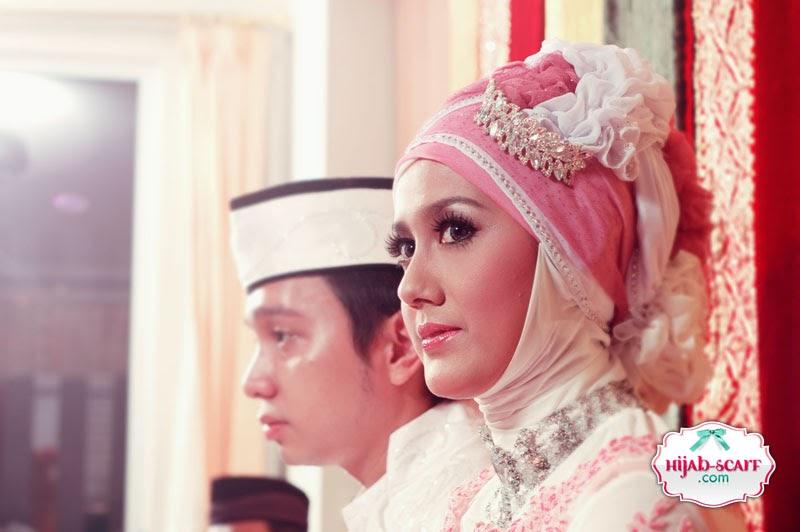 Style Spotted : Fika's Wedding Dress ~ Trendy Jilbab