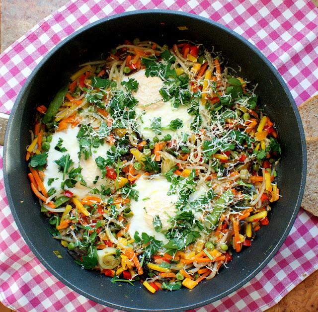 warzywa na patelnię, jaja sadzone,wegetarianizm,katarzyna franiszyn luciano,z kuchni do kuchni