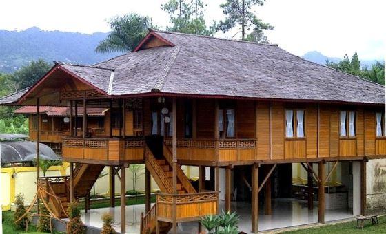 Rumah kayu sederhana yang menarik