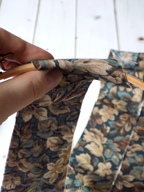 DIY embroidery hoop binding tutorial: easy, no glue method