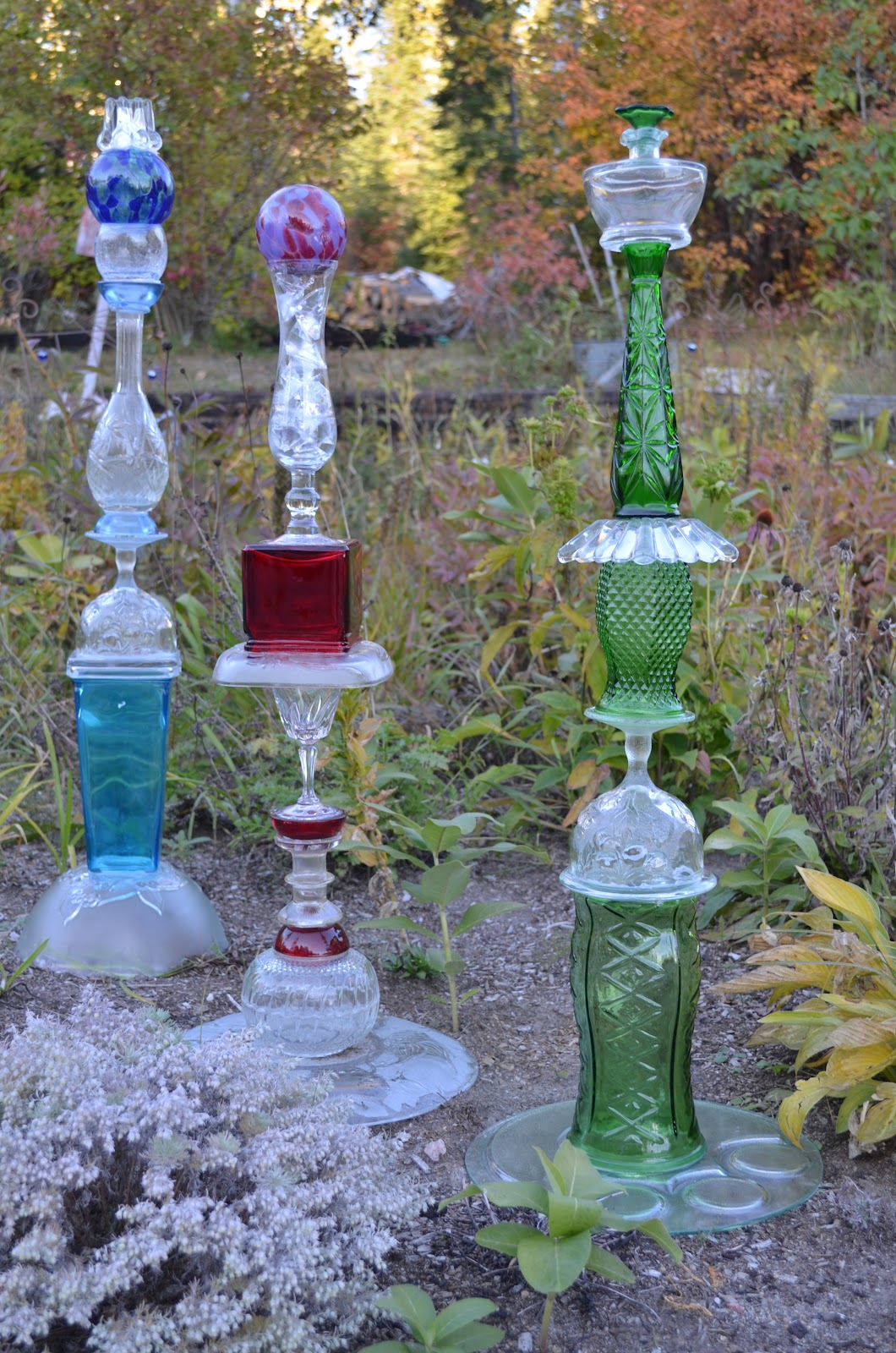 Macgirlver garden totems recycled glass for Recycled glass garden ornaments