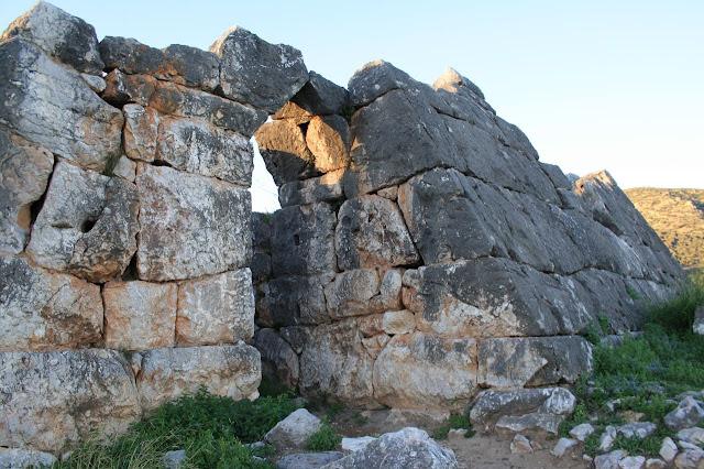 """Το αρχαιολογικό """"μυστήριο"""" με την πυραμίδα του Ελληνικού που λύθηκε (βίντεο)"""