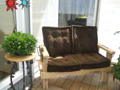 sofa cushions, chair pillows, decorative pillows, decoration ideas, economical ideas, affordable furniture, pillowcases, outdoor sofa, wooden sofa, diy, patio sofa, patio garden furniture, floor pillows, country style, boho style,