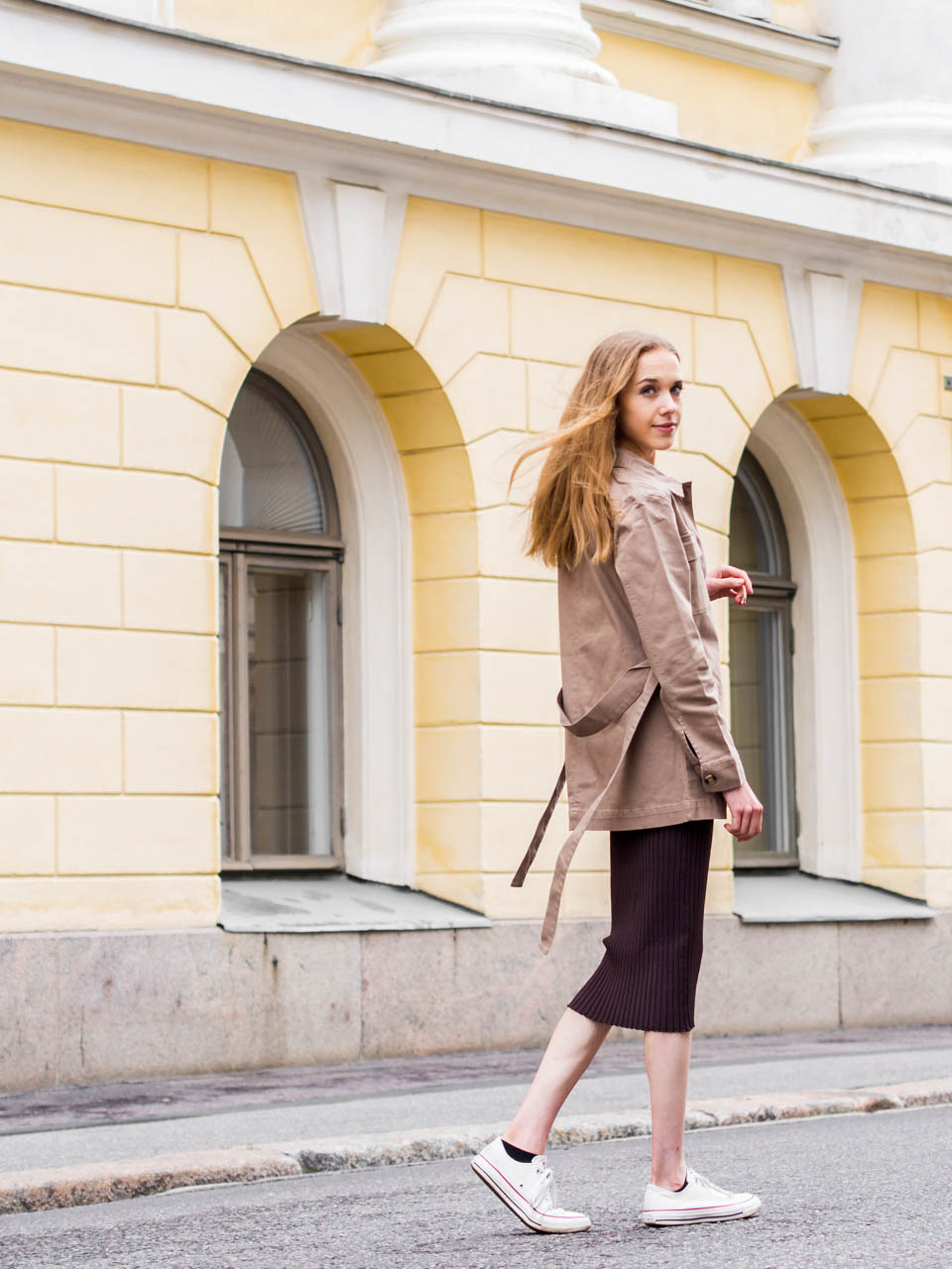 how-to-style-utility-trend-minimal-feminine