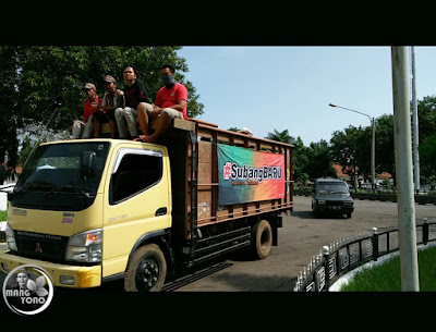 Foto 6: REMBUG PETANI KE-1 di Gedung DPRD Subang