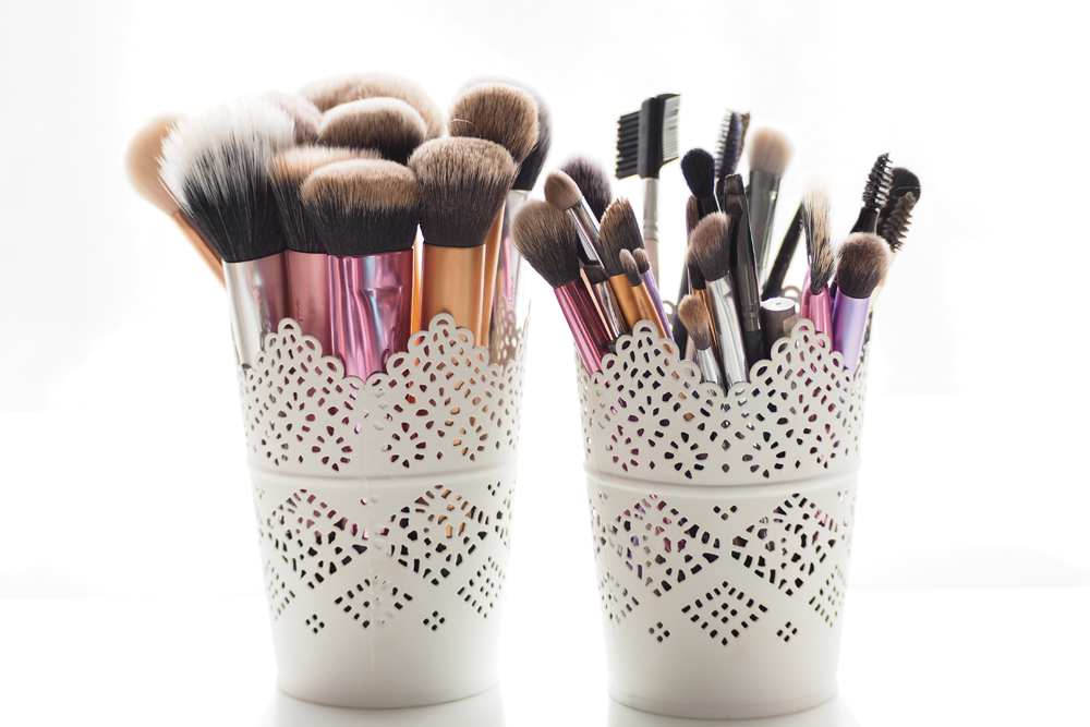 As every beauty blogger and makeup lover will know, it's so important to wash your makeup brushes. Now don't get me wrong, washing the little eyeshadow ...