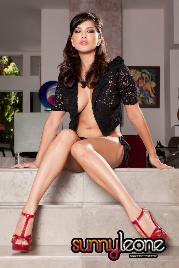 Sunny Leone  Navel