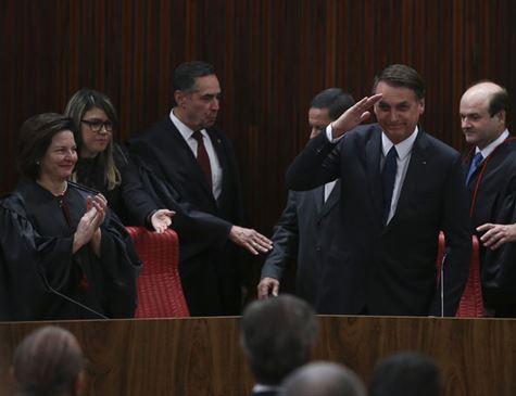 Em diplomação, Bolsonaro pede confiança daqueles não votaram nele