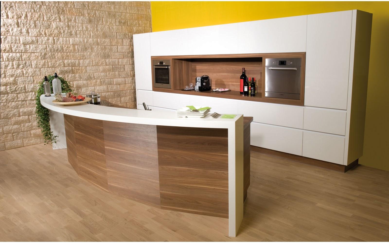 30 ideas de mesas y barras para comer en la cocina for Cocinas enchapadas