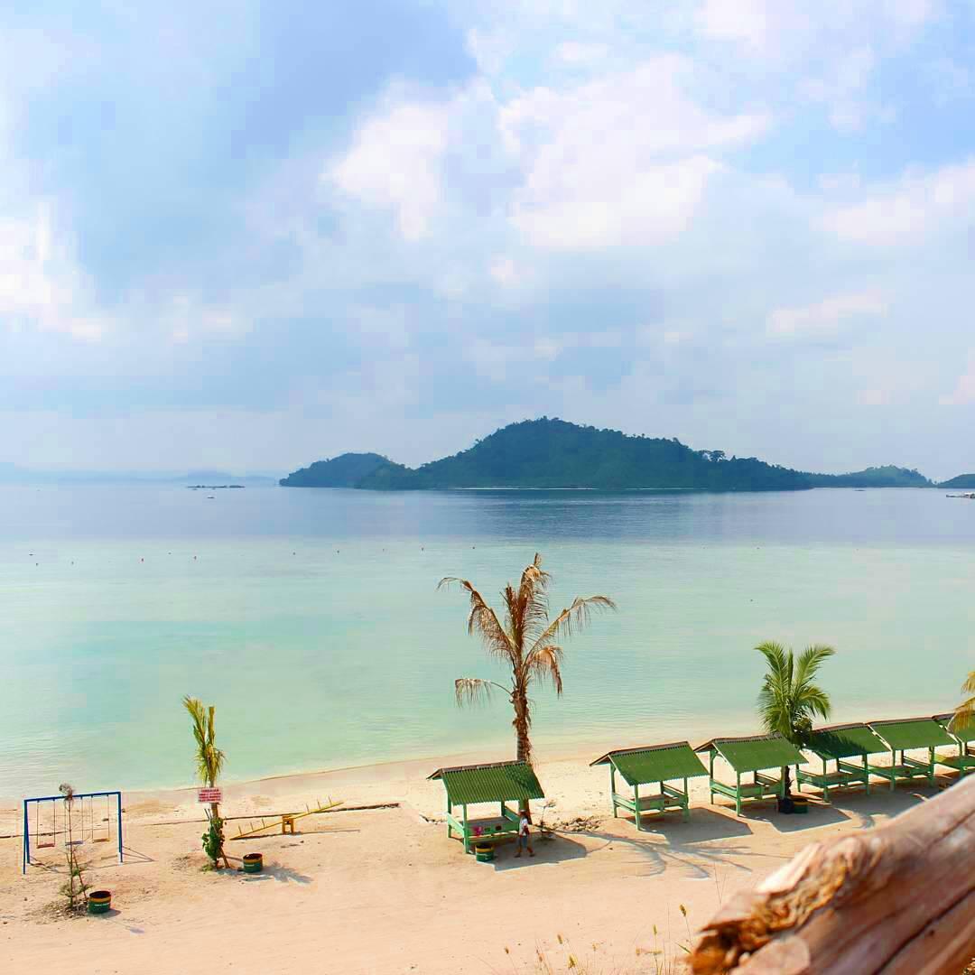 Tempat wisata pantai Yang Bagus di Lampung