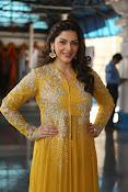 mehreen kaur latest glam pics-thumbnail-13