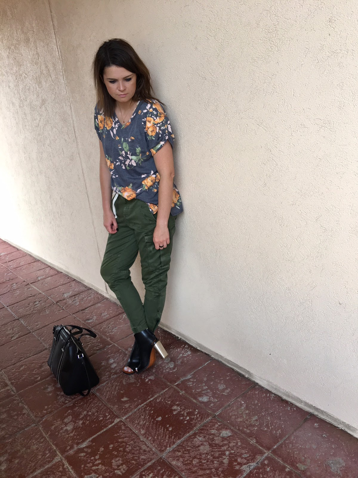 Floral tee & cargo pants