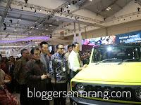 Berita Foto : Suzuki Ajak Presiden Jokowi Nostalgia Dengan Jimny Di GIIAS 2018