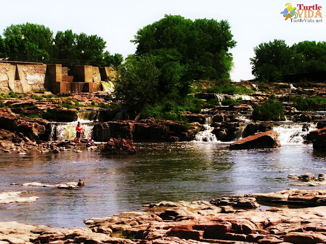 If you love waterfalls, you simply have to visit Falls Park in Sioux Falls.