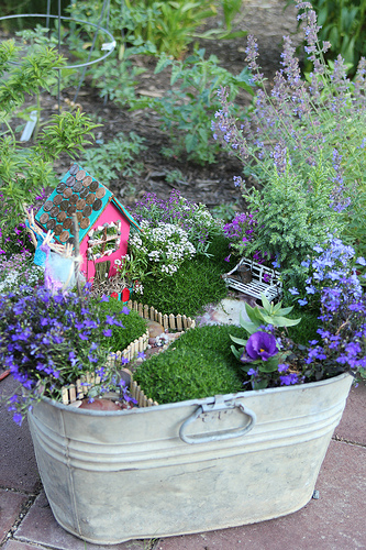 Dishfunctional Designs: The Upcycled Garden May 2013